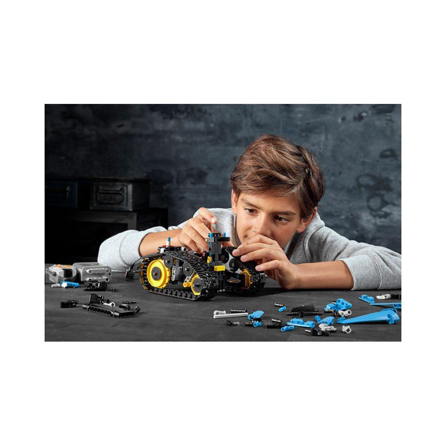 LEGO 42095  FJERNSTYRT STUNTRACER